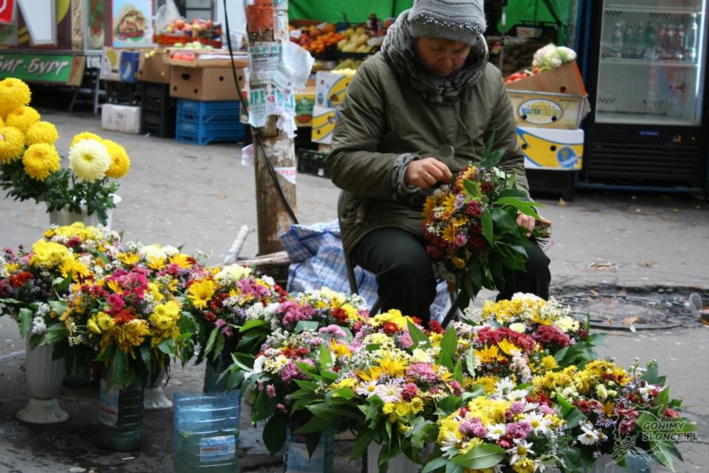 Kijów kwiaty na ulicy
