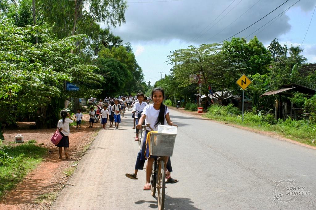 Życie codzienne w Kambodży - szkoła, dzieci