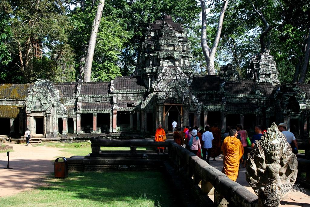 Ta Prohm - wejście do świątyni
