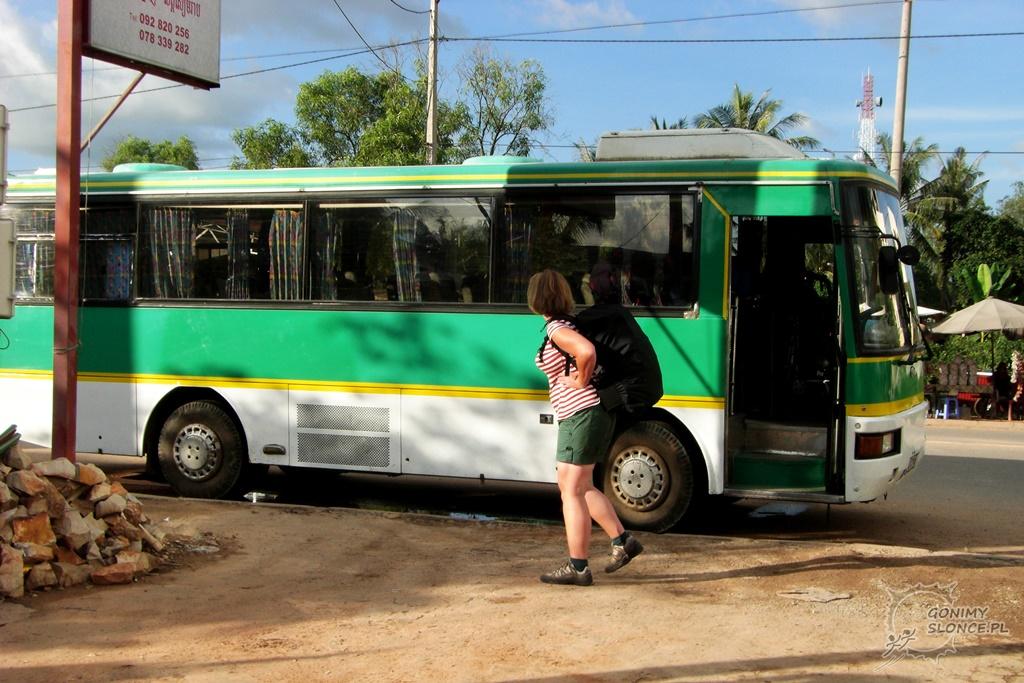 Bus z granicy do Siem Reap