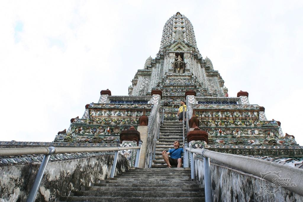 Wat Arun, schody i Romek