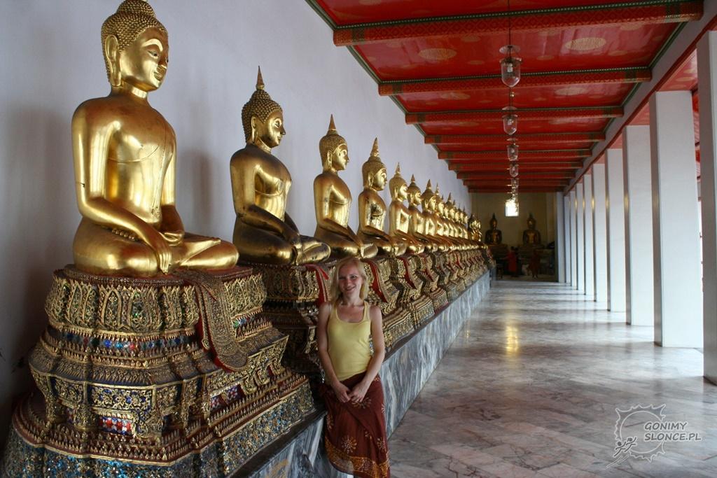 Wat Pho, rząd posągów i Ewa