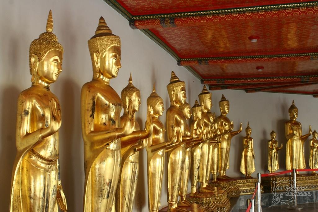 Posągi w świątyni Wat Pho