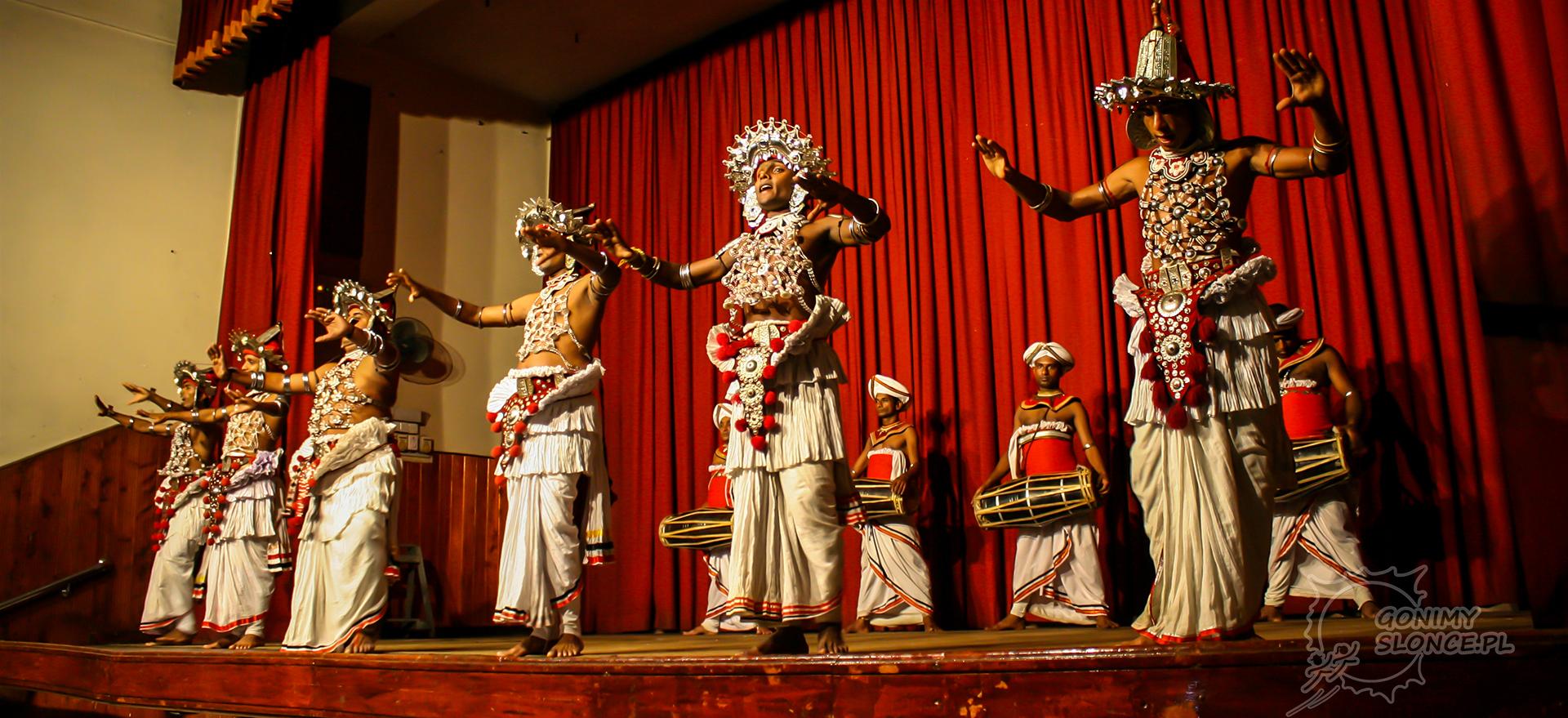 Kandy - tancerze Kandyjscy, Sri Lanka - koncert - przedstawienie
