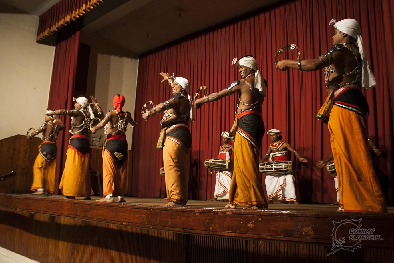 Tradycyjne stroje i tańce w Sri Lance