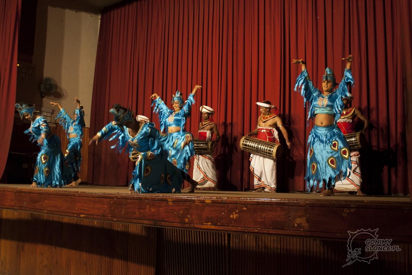 Kobiety ptaki - lankijskie tańce i kultura