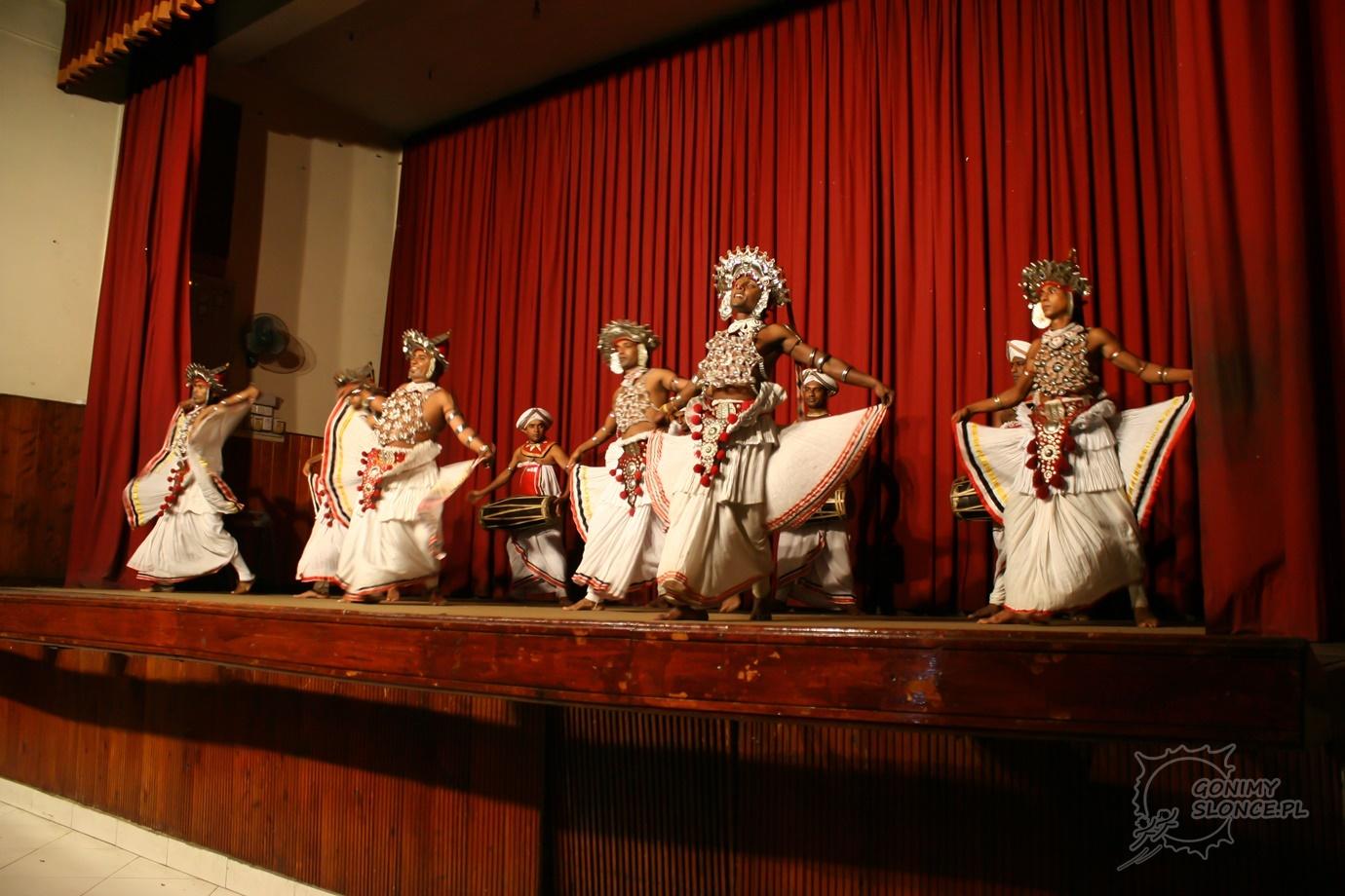 Kandyjscy Tancerze - przedstawienie