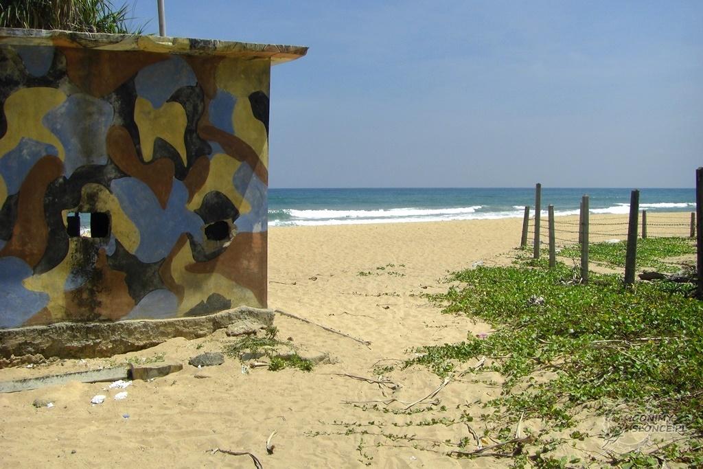 Plaża w Nilaveli - domki wojskowe