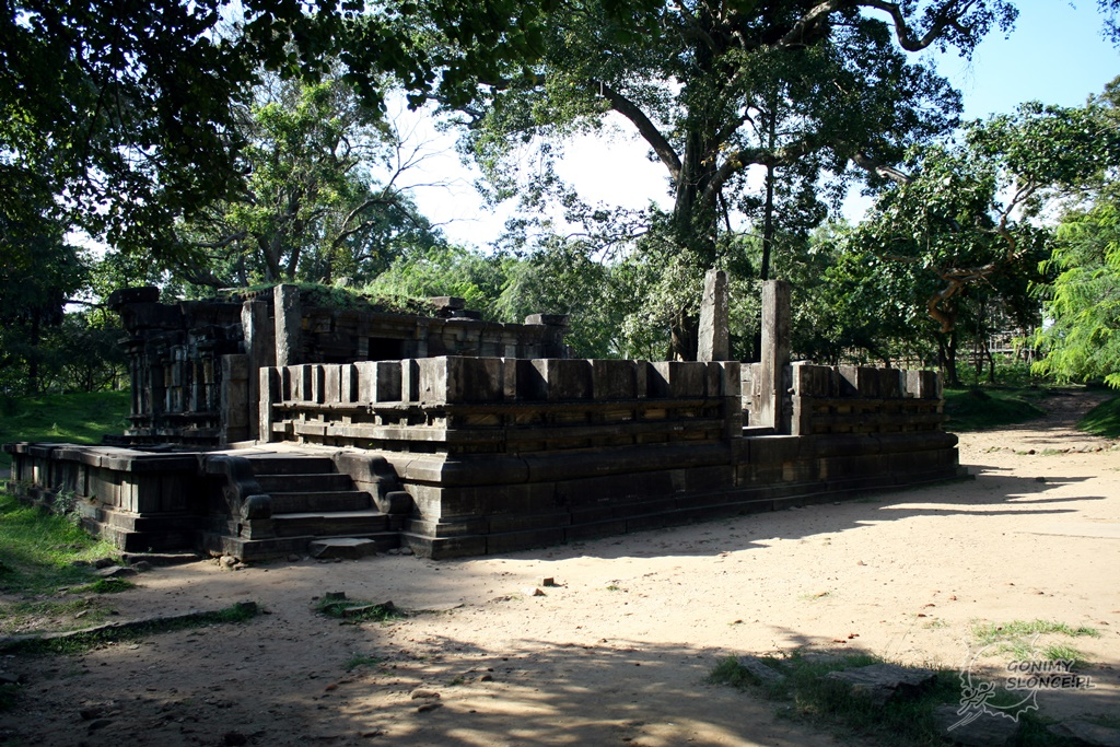 Świątynia Penisa Śiwy - Polonnaruwa - Sri Lanka