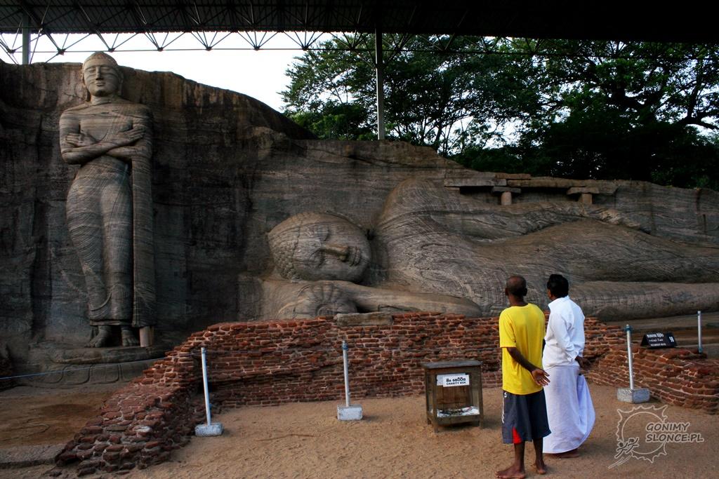 Historyczna Polonnaruwa - Spoczywający Budda