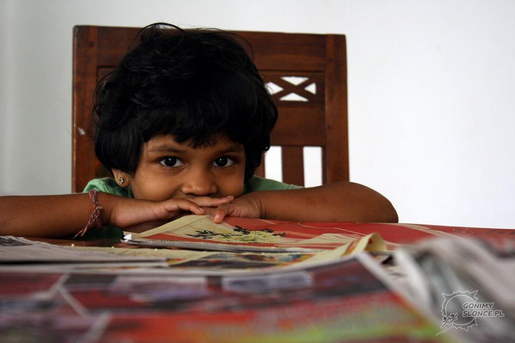 Lankijska dziewczynka z Polonnaruwy - Sri Lanka