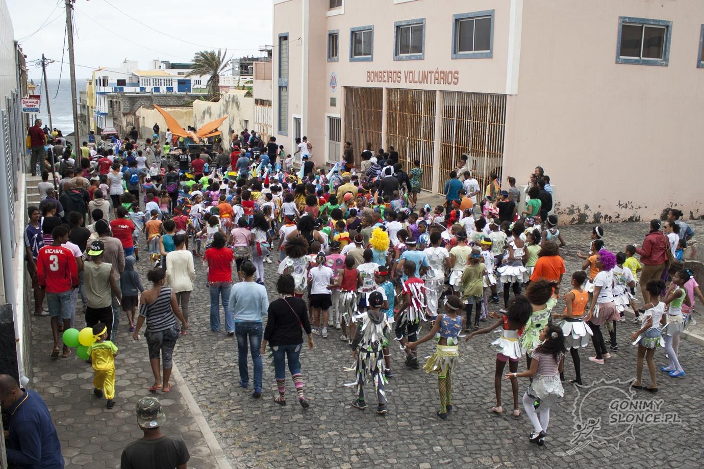 Dziecięcy karnawał na Cabo Verde