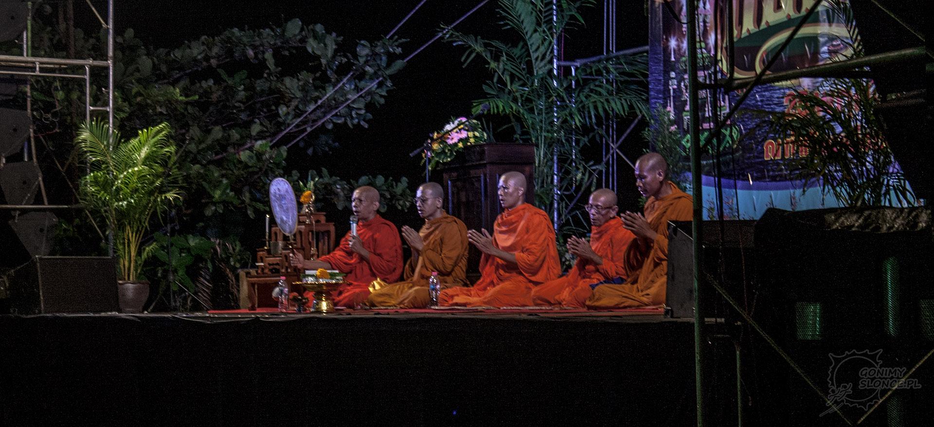 Loy Krathong i Yi Peng- święto lampionów w Tajlandii