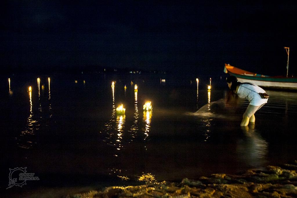 Loy Krothong przy głównej plaży