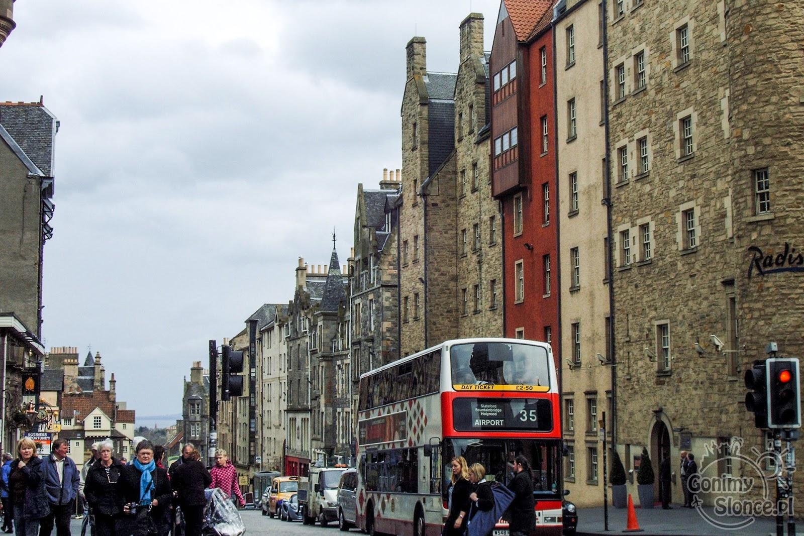 Royal Mile - High Street, miejski piętrowy autobus objazdowy