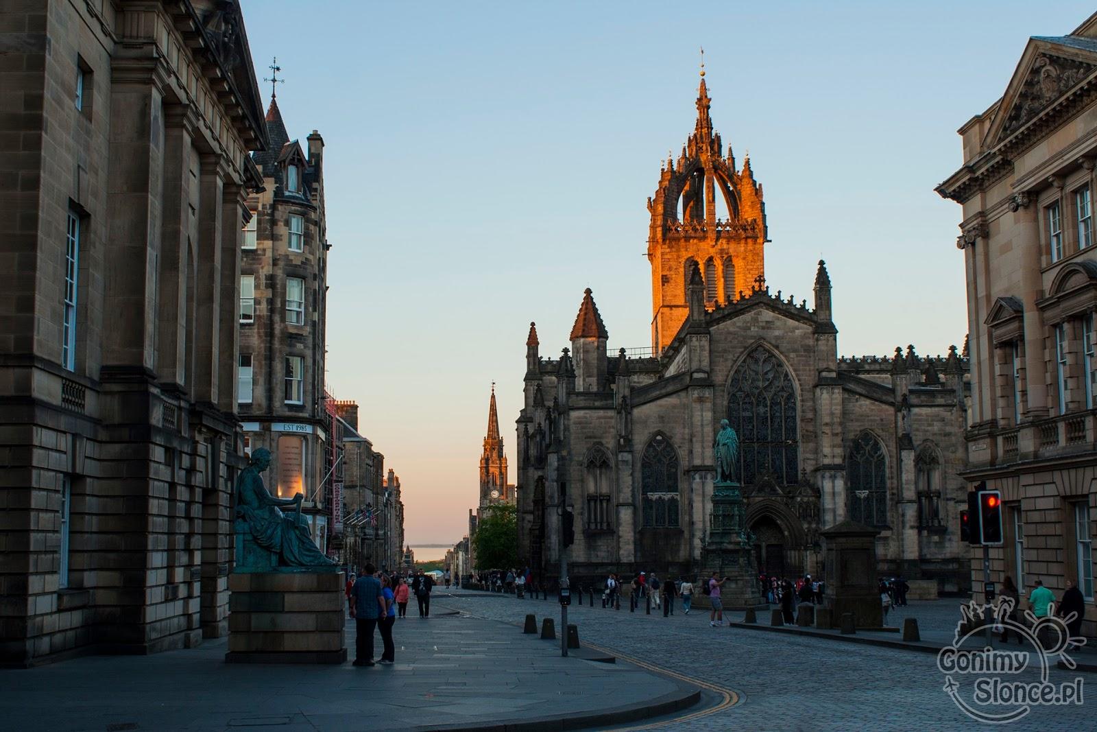 Royal Mile i Katedra św. Idziego w Edynburgu