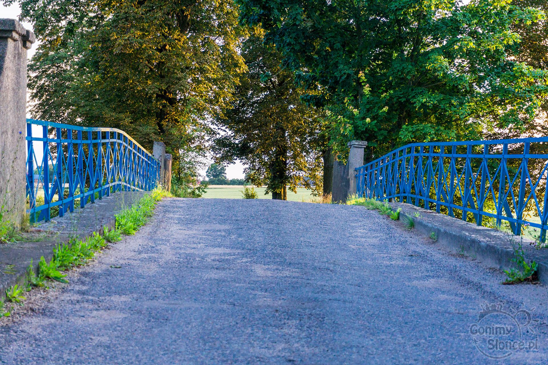 Ciekawe mosty, wiejskie życie, nasza Polska