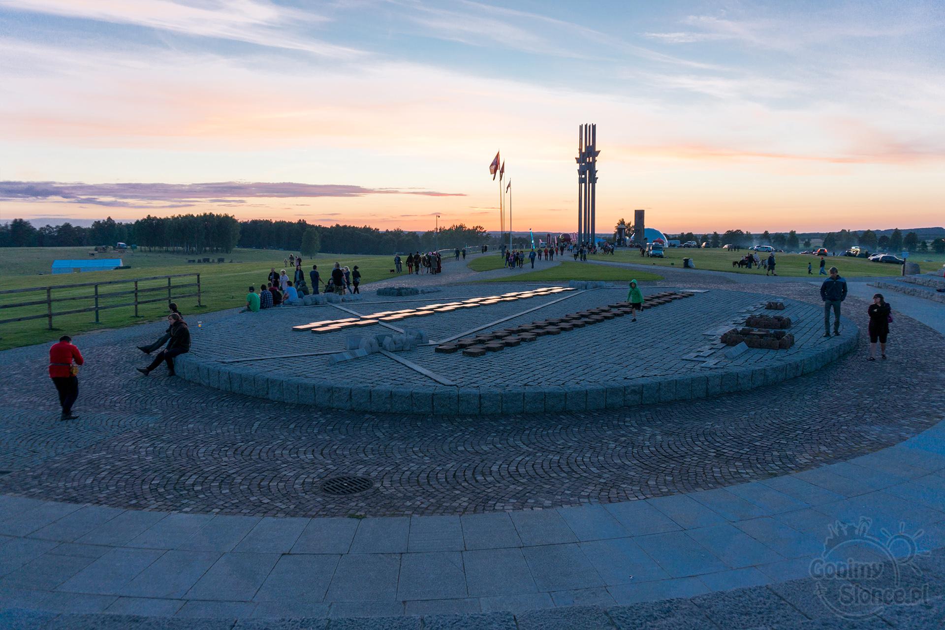 Amfiteatr, Pomniki, Pola bitwy pod Grunwaldem