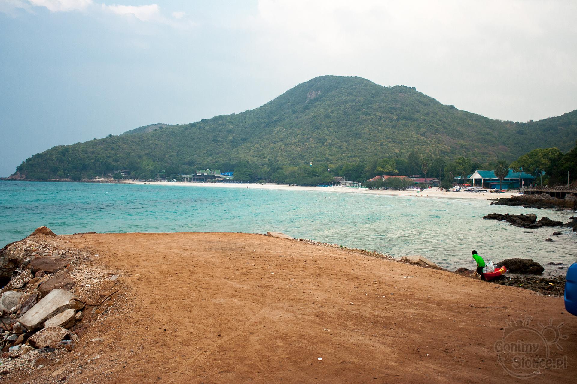 Koh Larn, wyspa z plażami blisko Bangkoku