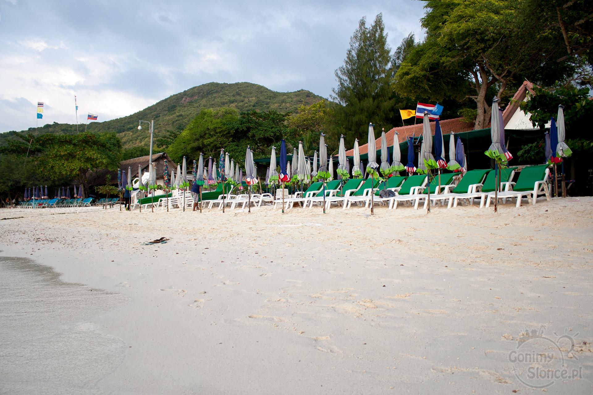 Pusta Tien Beach, Koh Larn