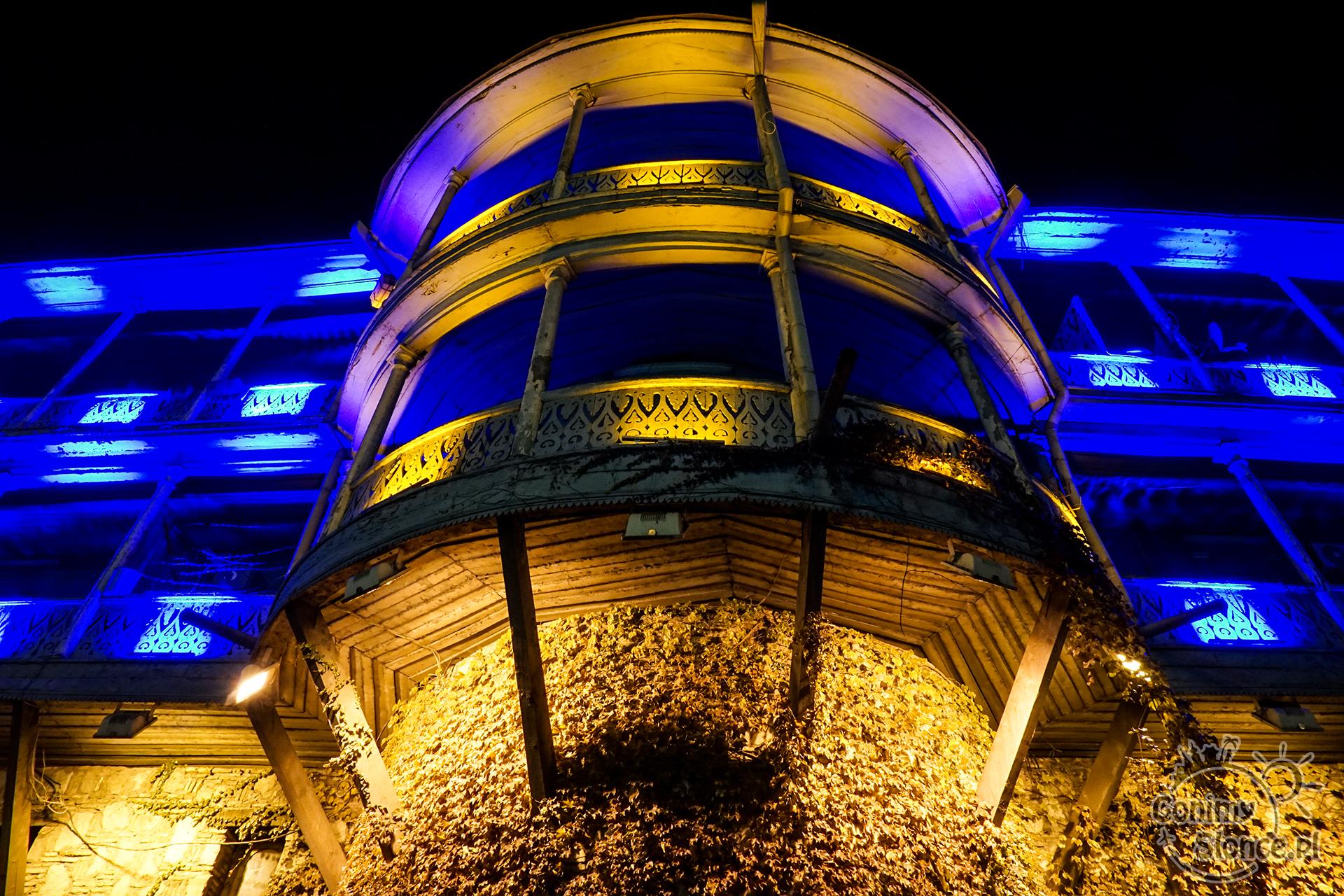 Nocne Tbilisi - Mury Starego Miasta