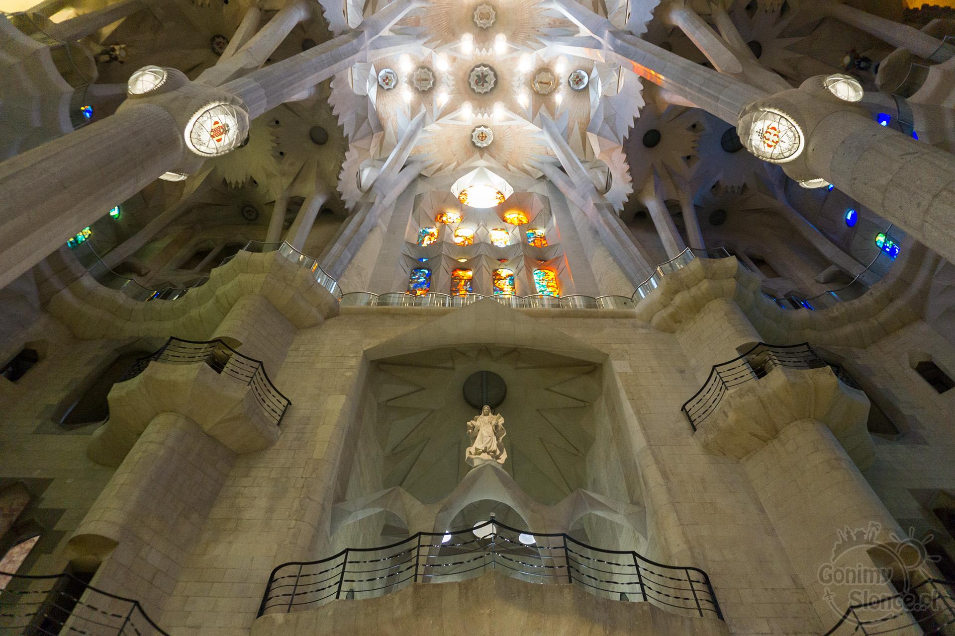 Sagrada Familia - wnętrze bazyliki