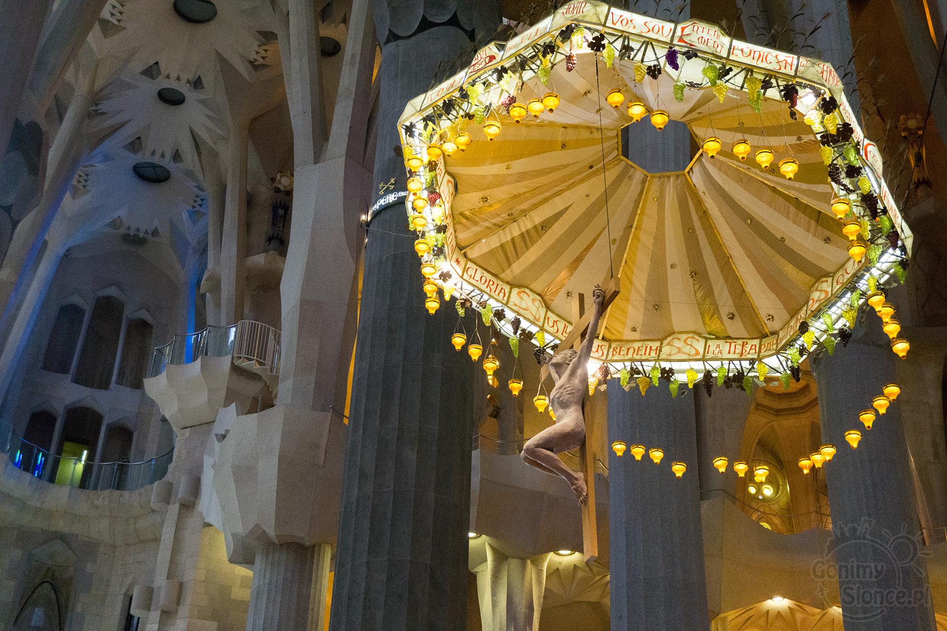 Sagrada Familia - Chrystus  - ołtarz