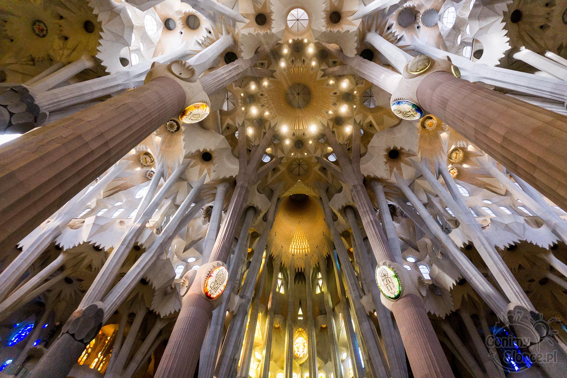 Sagrada Familia Barcelona - wnętrze