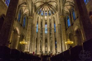 Santa Maria del Mar Barcelona wnętrze
