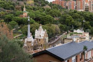 Gaudi wśród drzew, Park Guell, Barcelona