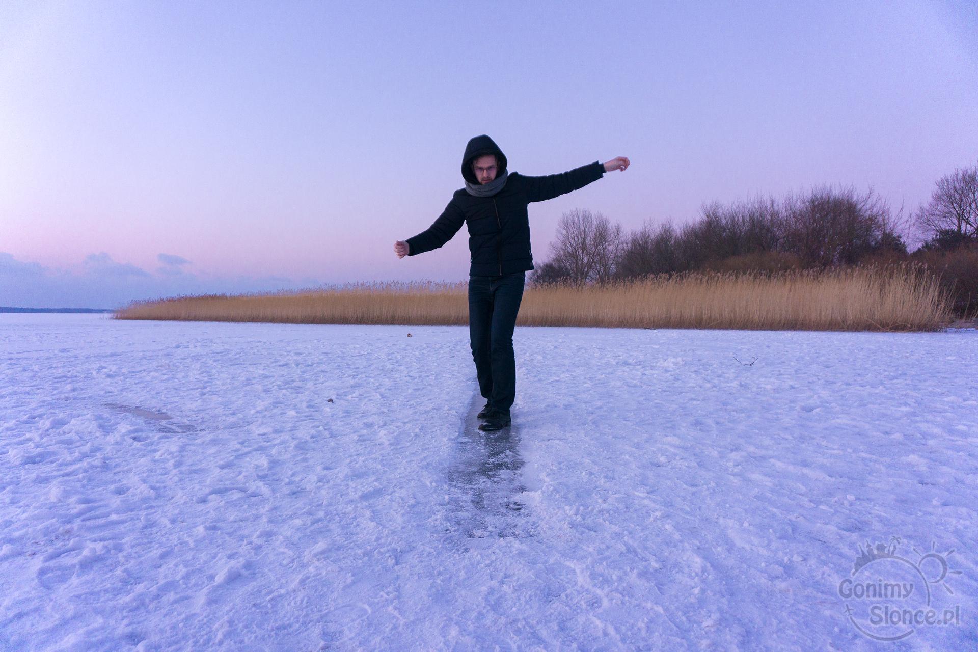 Ślizgawka na jeziorze - SPA dodaje energii zimą