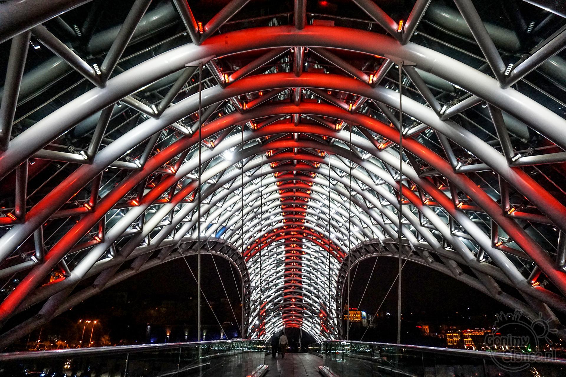 Tbilisi TOP 10 miejsc które warto zobaczyć | Most Pokoju