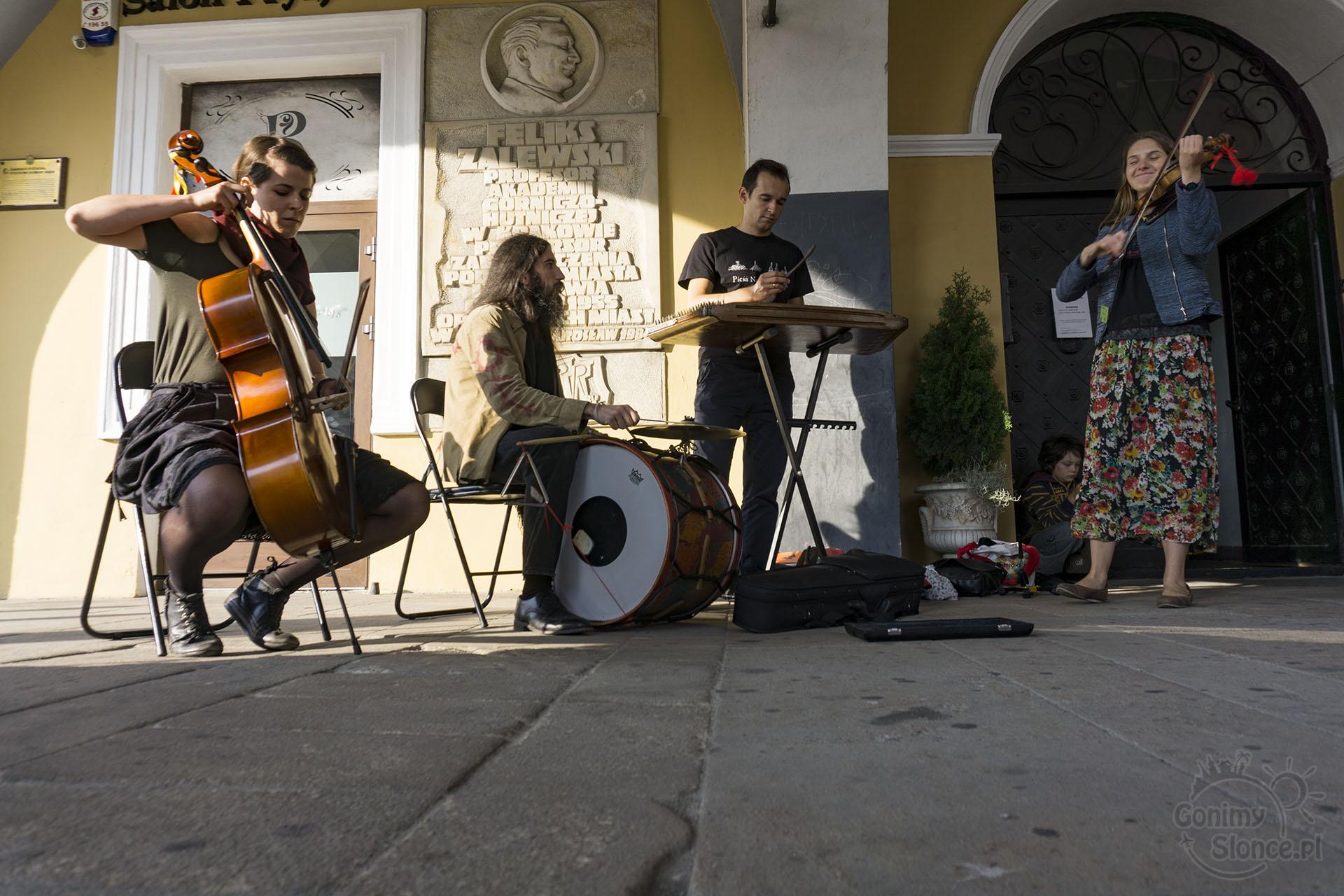 Jarmark Jarosławski, muzyka na żywo na ulicach