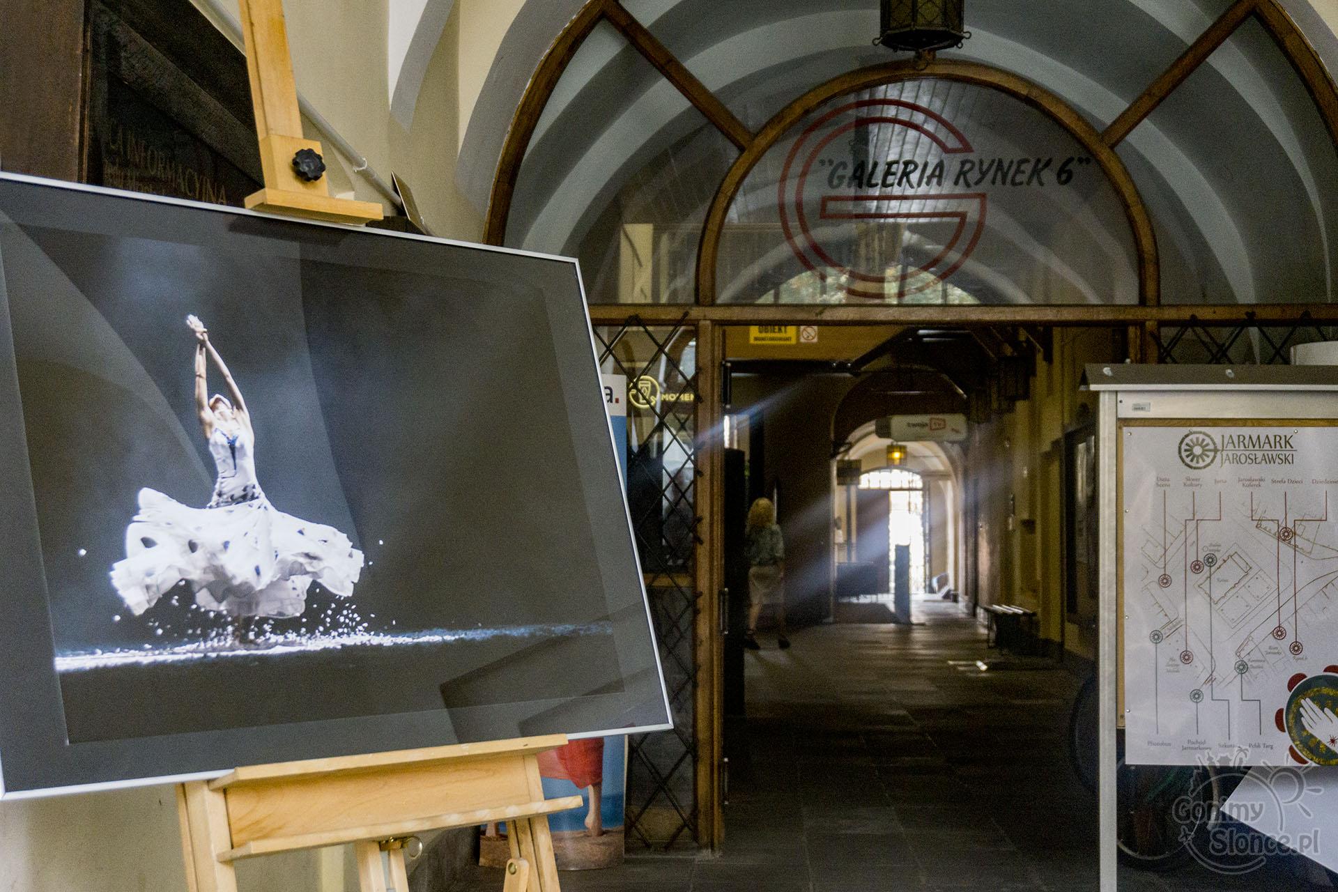 Jarmark Jarosławski, wystawa fotografii na Rynku w Jarosławiu
