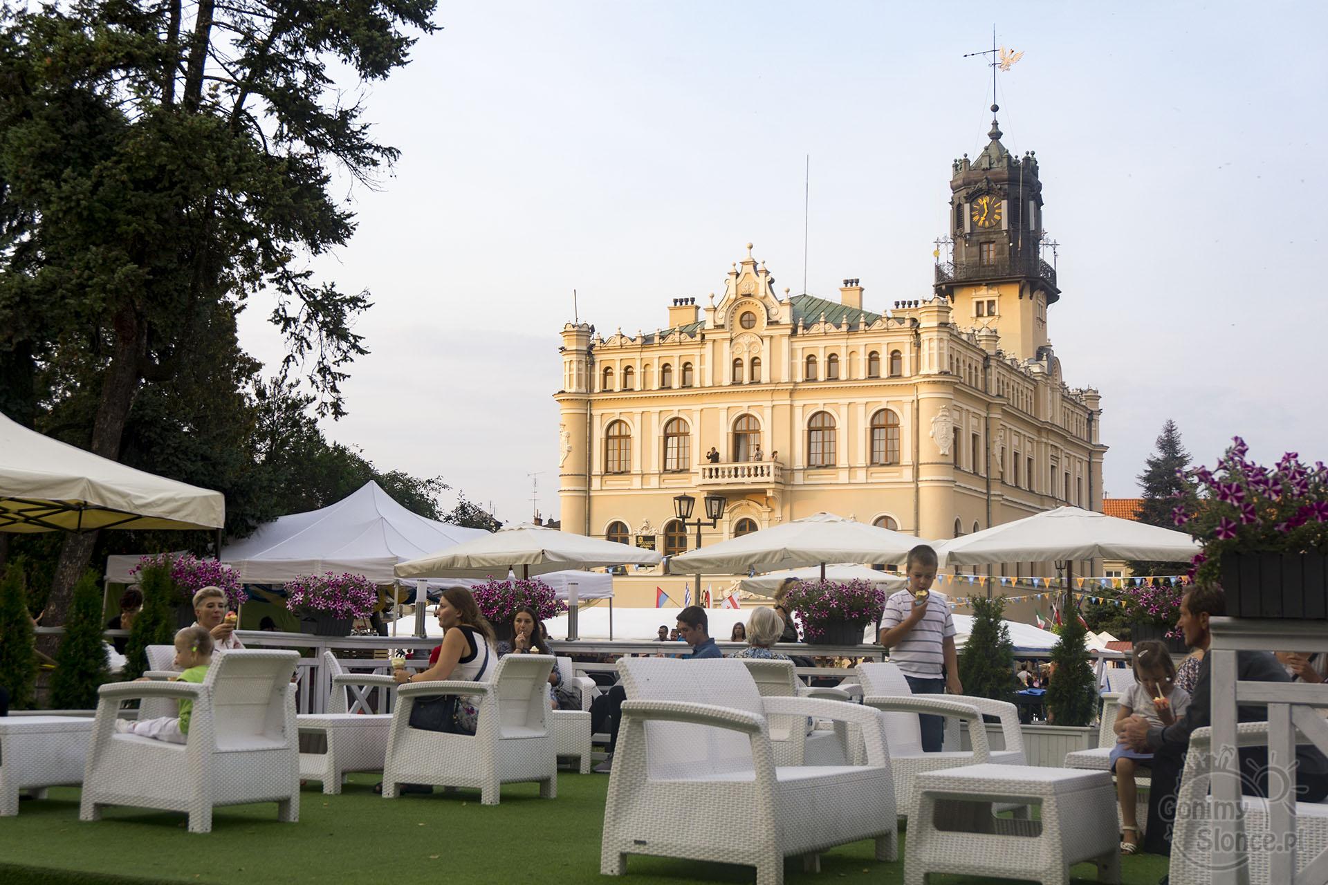 Jarmark Jarosławski | Handel teatr muzyka | Rynek w Jarosławiu