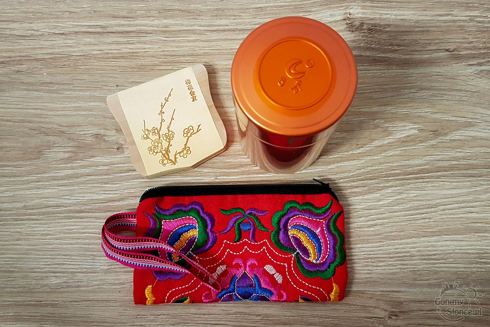 Paczka z Chin - bonus dla WOŚP - herbata, porfelik i lusterko