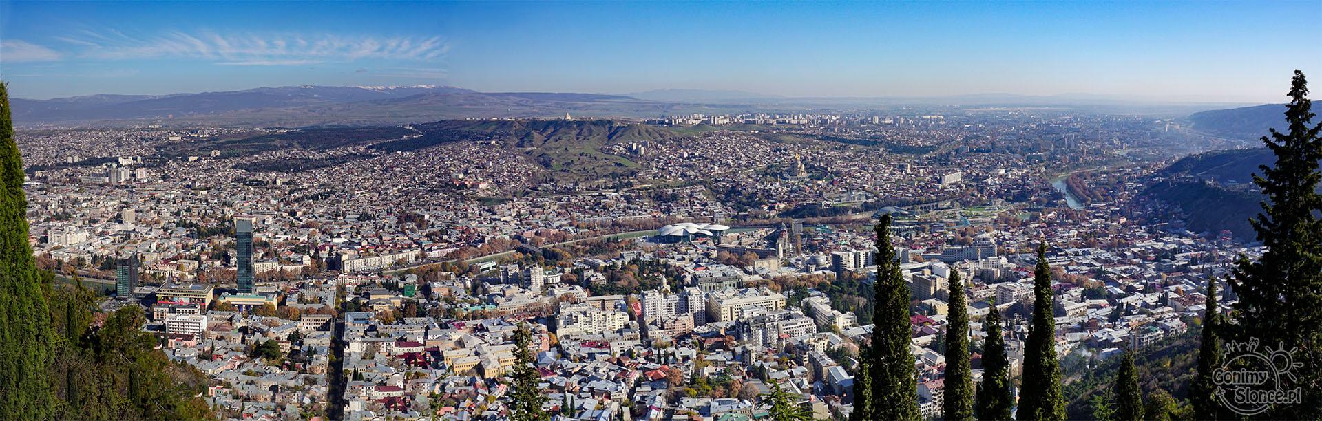 Festiwal Młodego Wina w Tbilisi - panorama Tbilisi | Mtatsminda