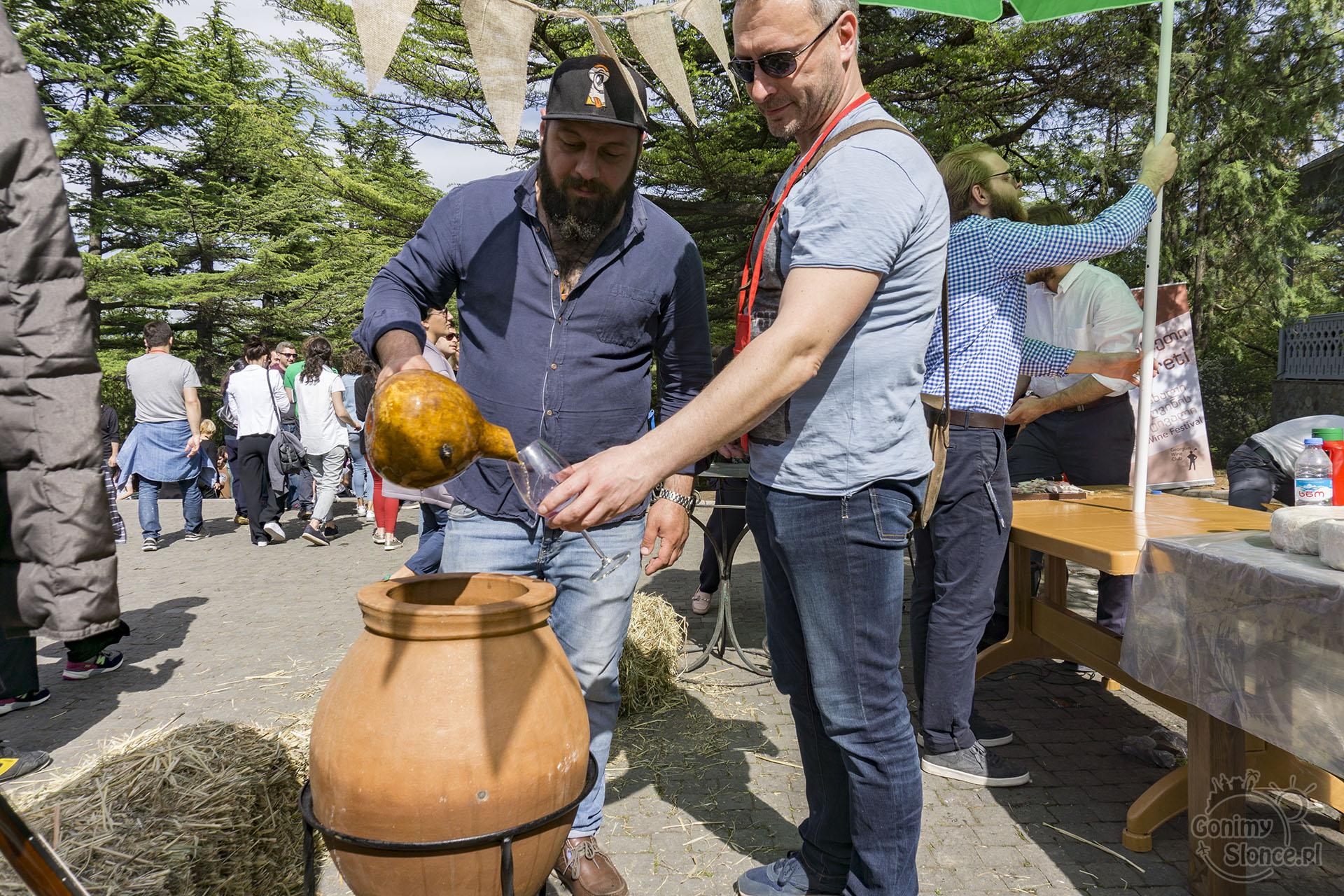 Festiwal wina - wino kwewri - vino kvevri