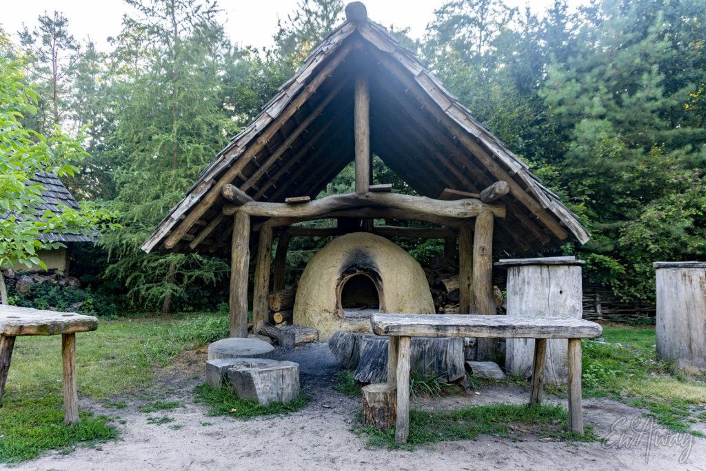 piec w wiosce wczesnopiastowskiej
