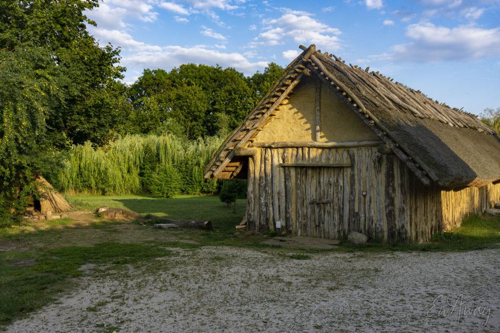 Lato w Biskupinie - osada neolityczna